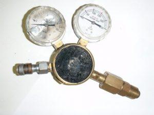 圧力調整器